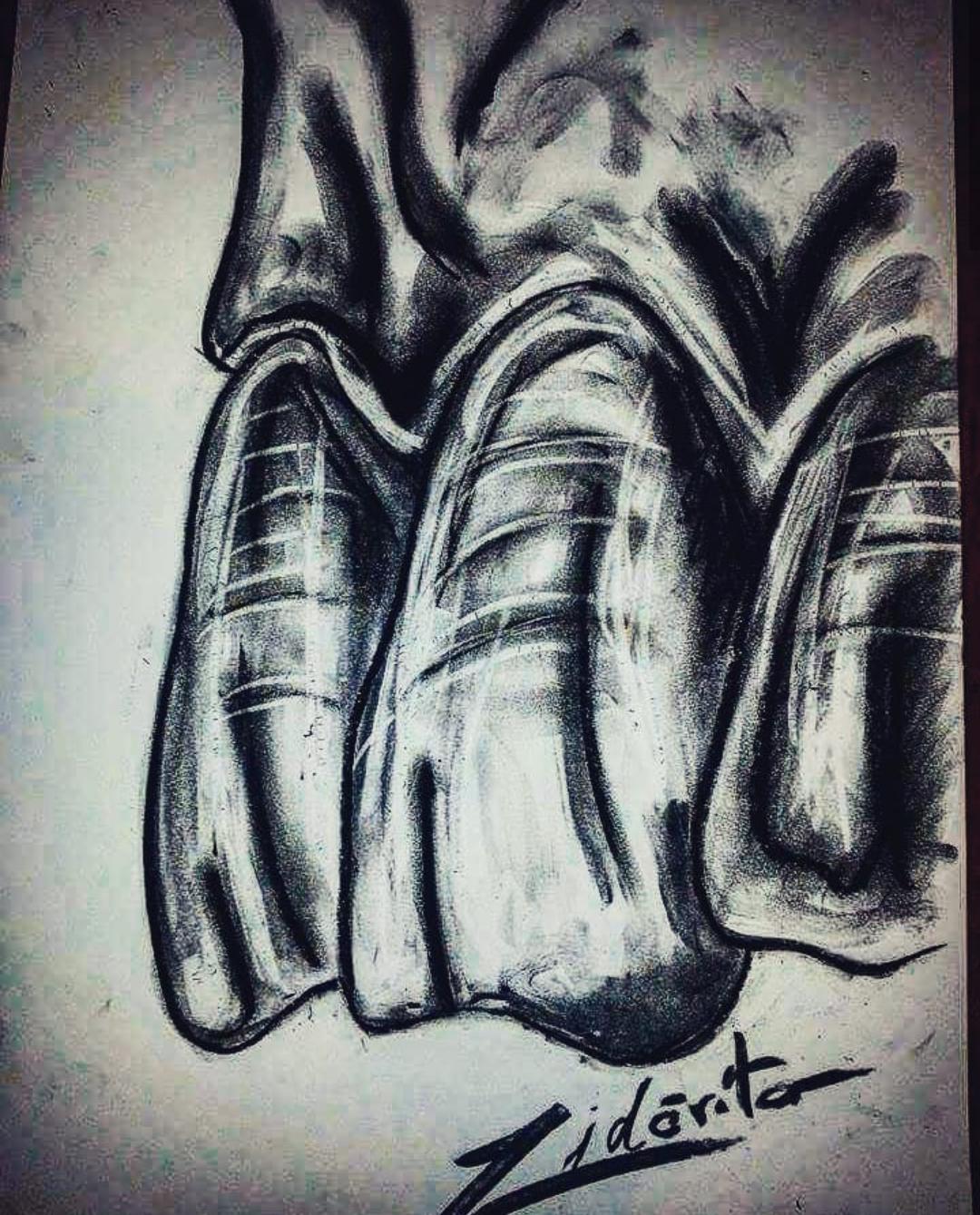 Dinti desenati in creion de catre Dan Zidăriță